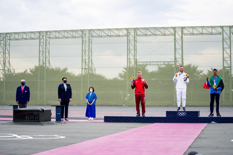 D. Gudzinevičiūtė Olimpiadoje apdovanojo olimpinius šaudymo medalininkus