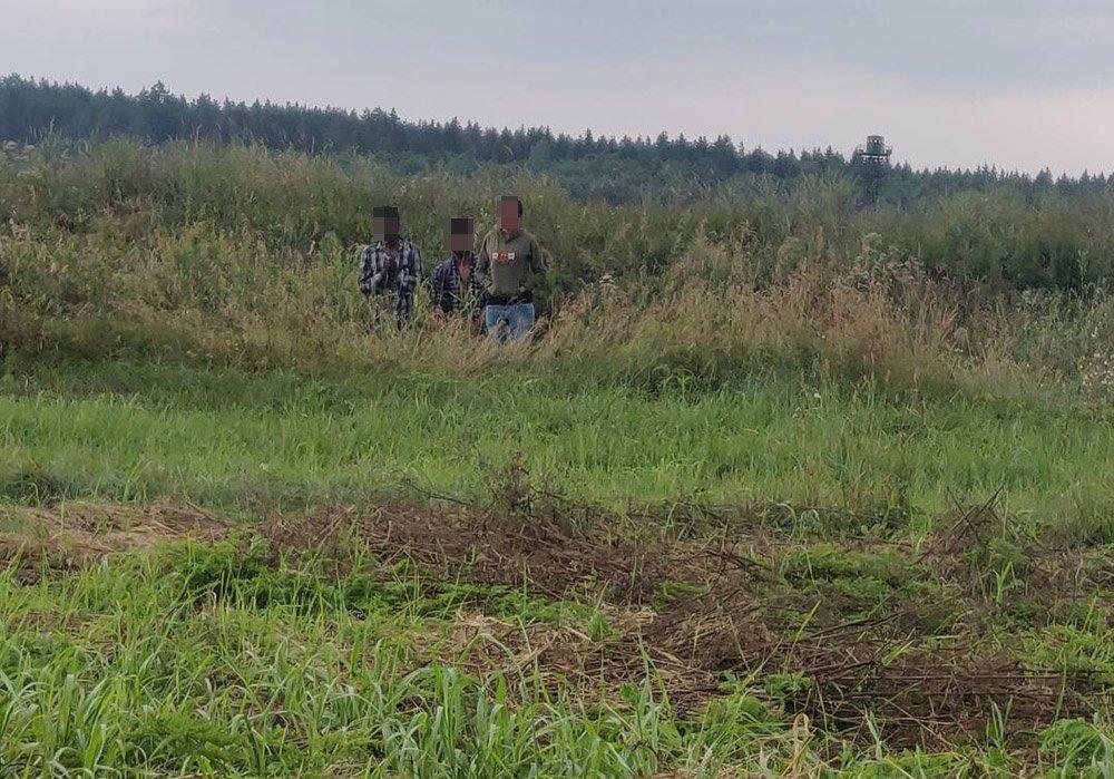 Pirmadienį sulaikyta dar 110 migrantų, Baltarusija į juos nereaguoja