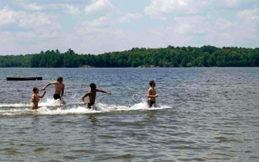 Atlikti Plungės rajono maudyklų paplūdimio smėlio ir vandens kokybės tyrimai