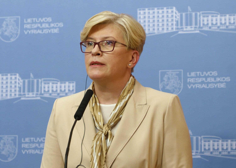 Vyriausybė siūlo sekti Latvijos pavyzdžiu – leisti nušalinti darbuotoją, atsisakiusį skiepytis