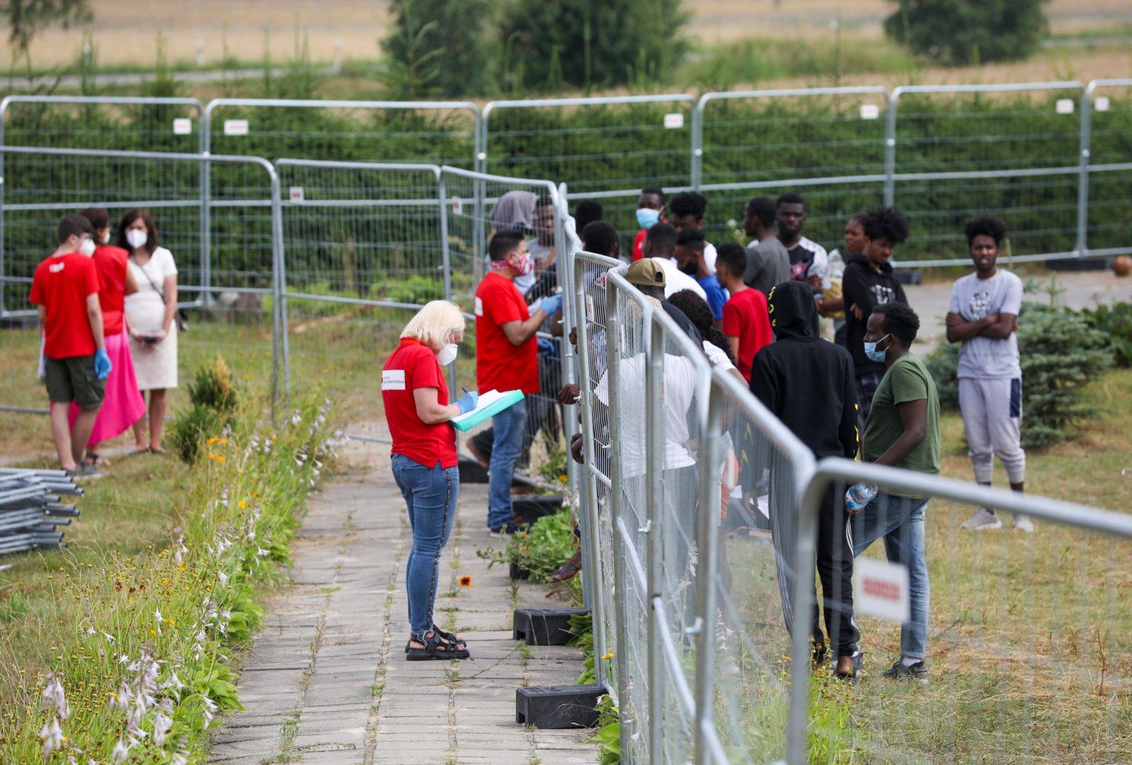 Pareigūnai dėl neteisėtų migrantų siūlo keisti bausmių vykdymo kodeksą