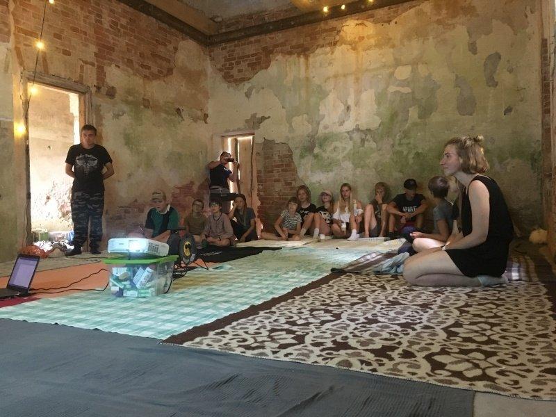 Kamariškių dvaro renesansas prasideda su jaunimo iš Zarasų krašto pagalba
