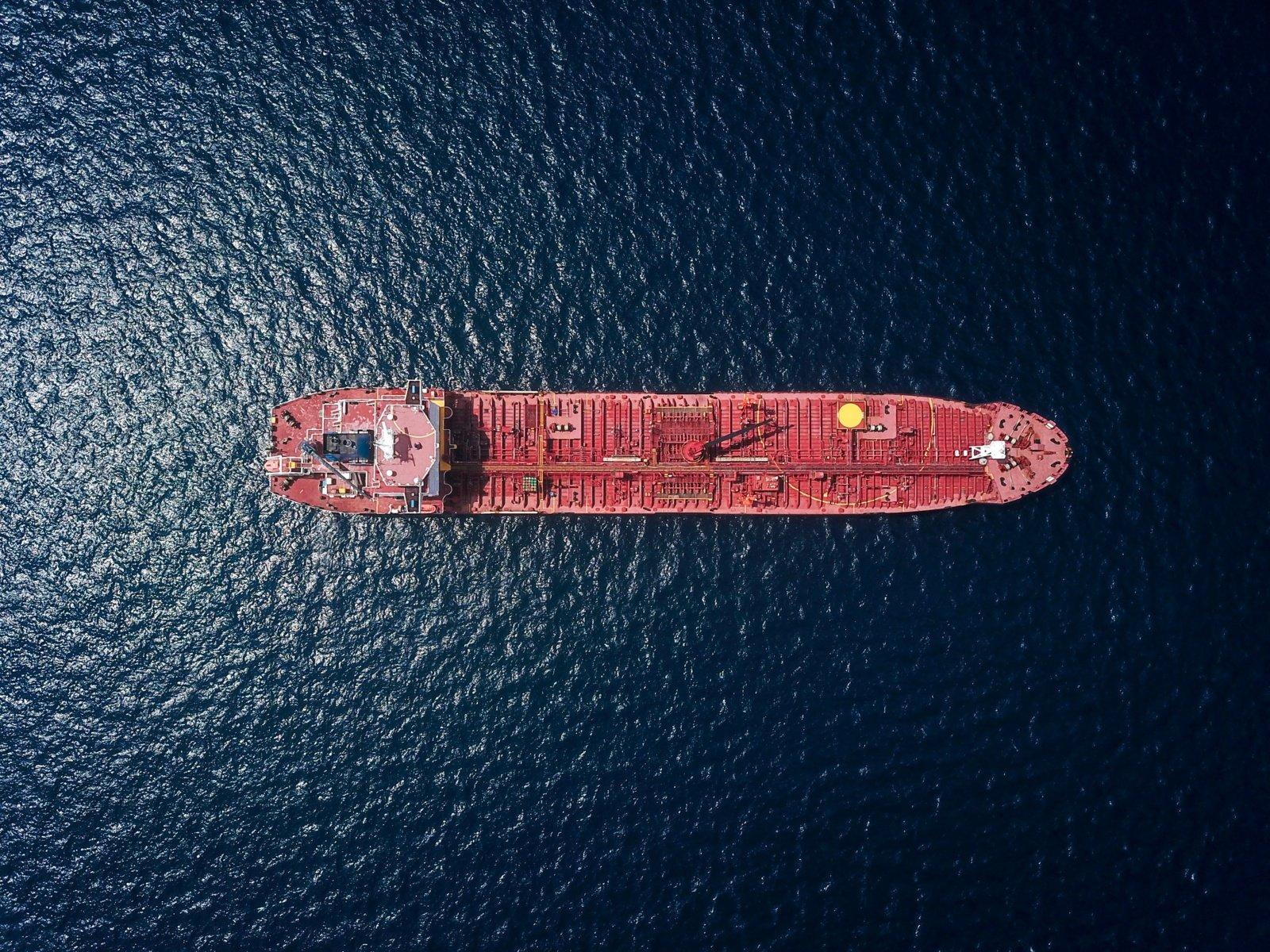 Britanijos kariškiai: prie JAE krantų galimai užgrobtas laivas