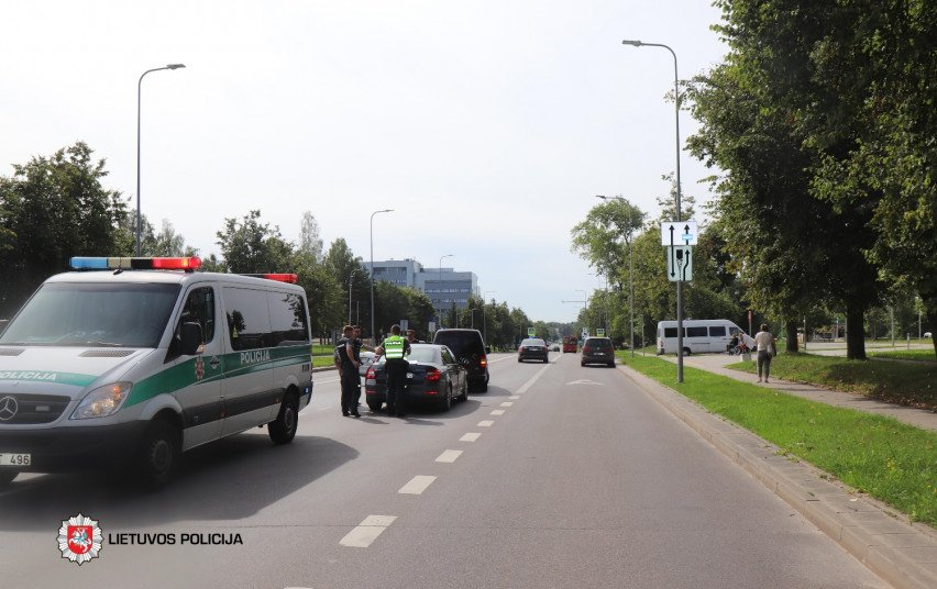 Praėjusią parą per eismo įvykius žuvo vienas, nukentėjo 16 žmonių
