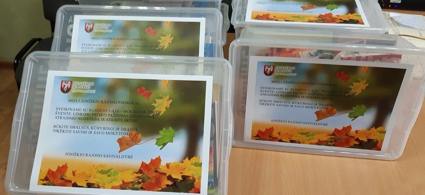 Joniškio rajono pirmokams – savivaldybės dovanos