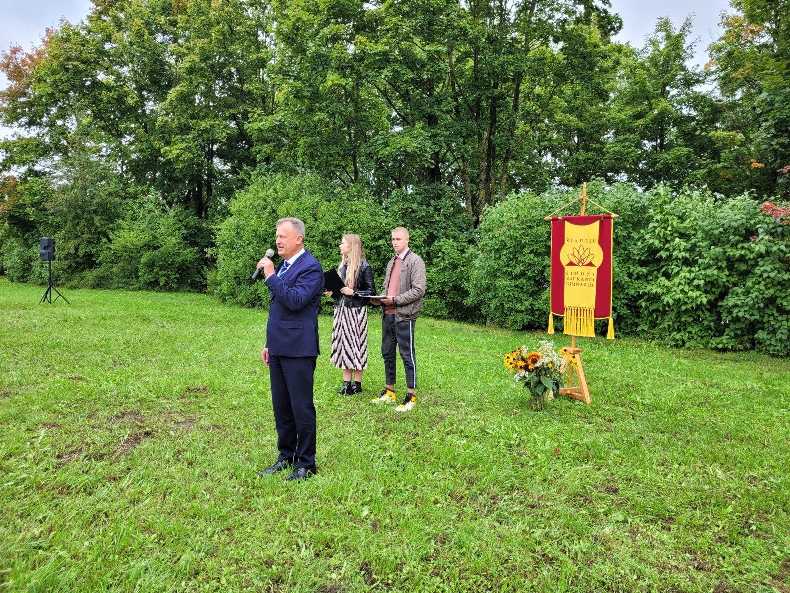Rugsėjo 1-osios šventė Šiaulių Simono Daukanto gimnazijoje