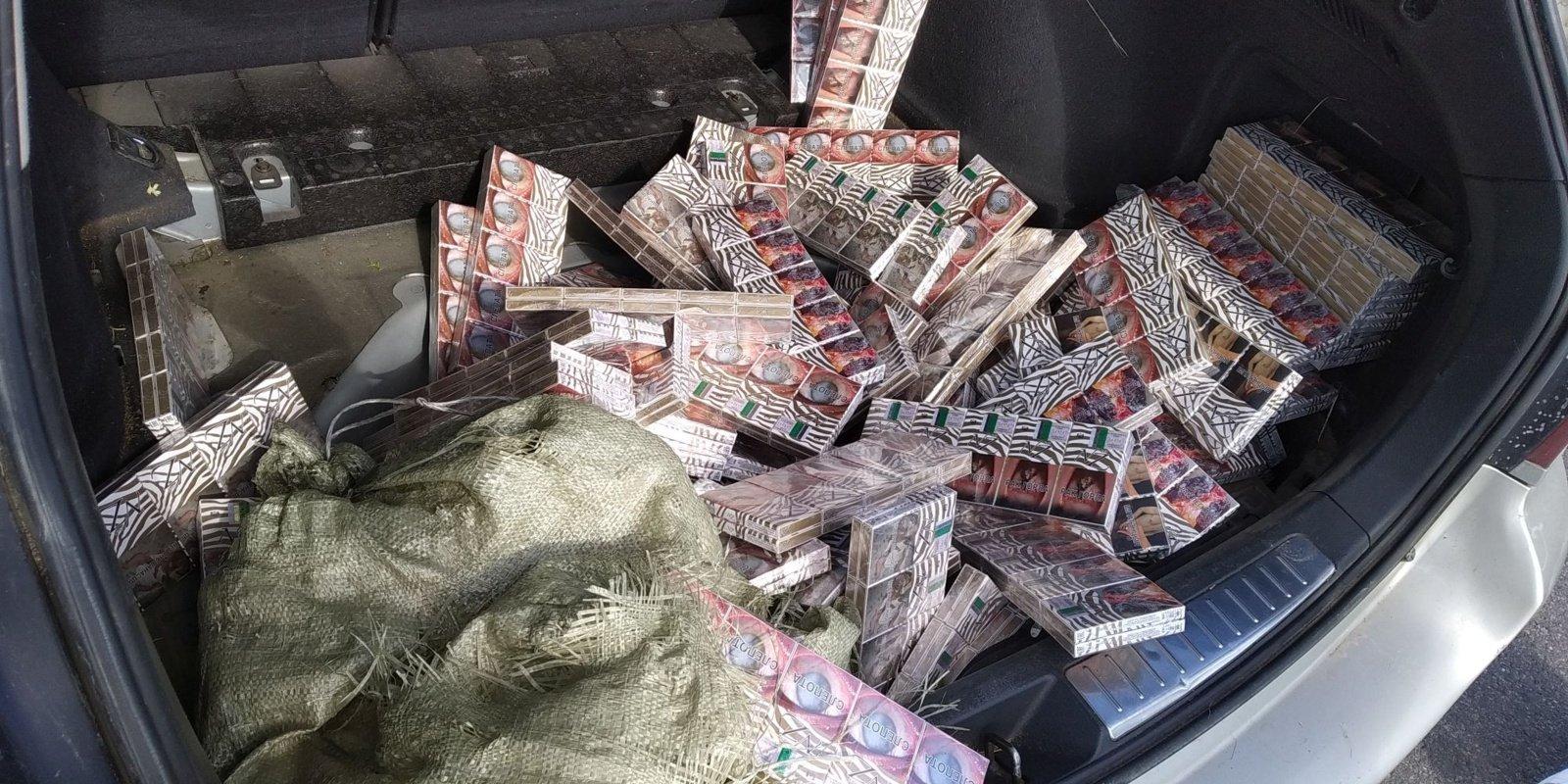 Šiaulių pareigūnai demaskavo kontrabandinių rūkalų prekeivius