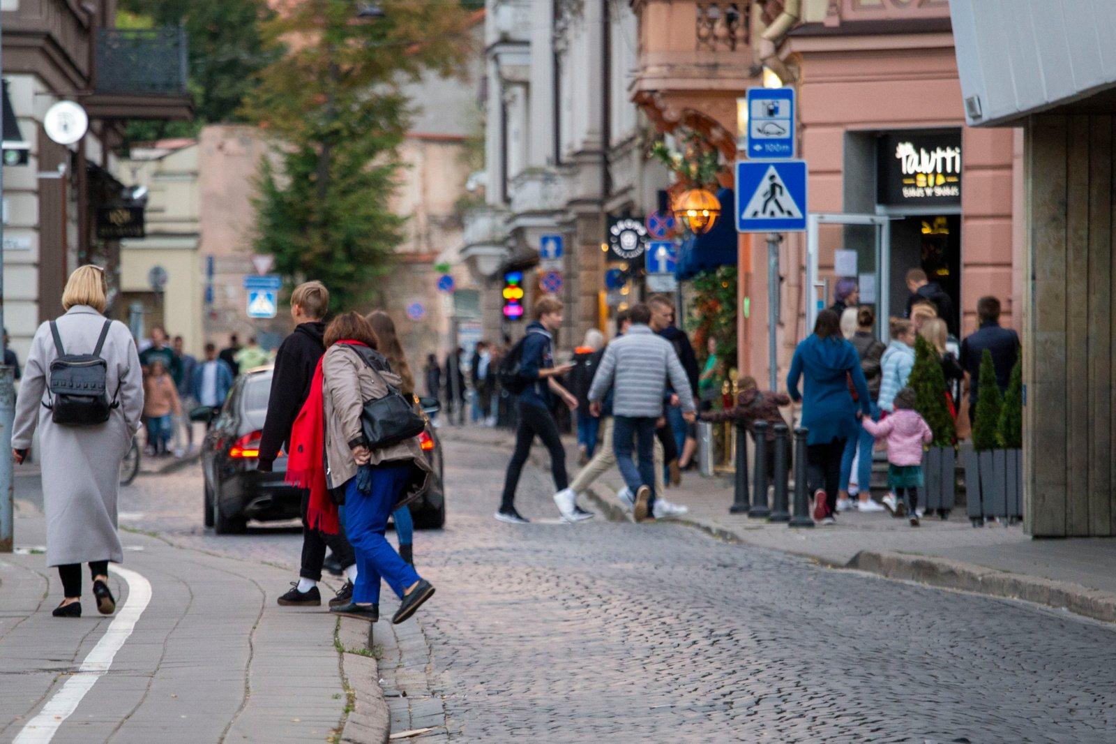 Svarbiausi pirmadienio įvykiai: pabėgę migrantai, koronaviruso situacija, įspėjimas Lietuvai