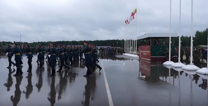 """Rusija ir Baltarusija pradeda praktinį karinių pratybų """"Zapad 2021"""" etapą"""