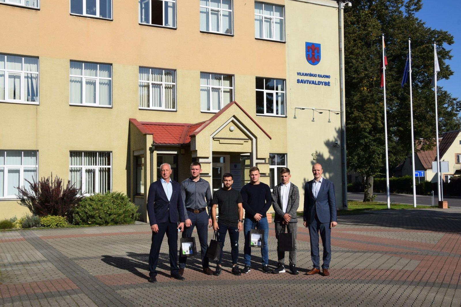 Vilkaviškio rajono savivaldybėje pagerbti imtynininkai