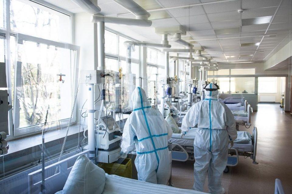 """Panevėžio ligoninėje užimta 80 proc. """"covidinių"""" lovų"""