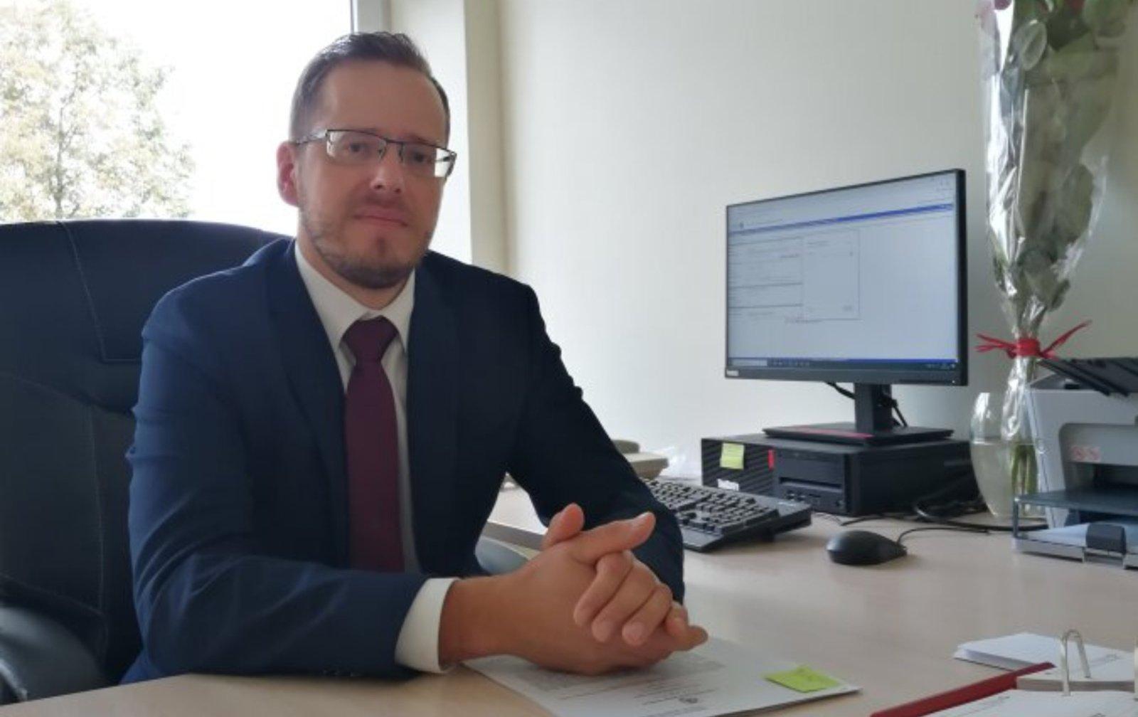 Darbą Utenos apylinkės teisme pradėjo teisėjas Raimundas Rakauskas