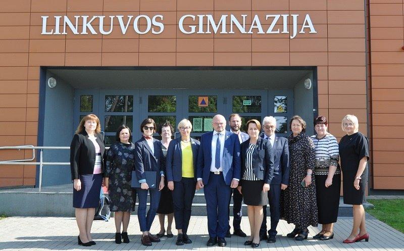 Švietimo, mokslo ir sporto ministrė Jurgita Šiugždinienė lankė Pakruojo rajono ugdymo įstaigas
