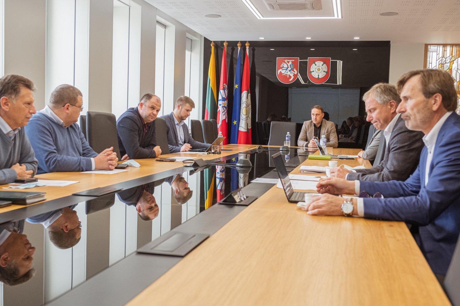 """Apie viešojo transporto situaciją Alytuje meras kalbėjosi su bendrove """"Kautra"""""""