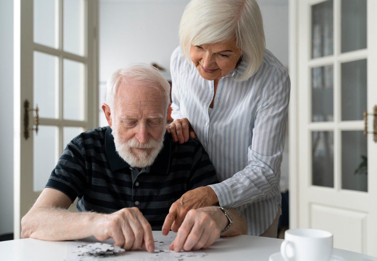 Stulbinantis mokslininkų pastebėjimas: Alzheimerio liga prasideda kepenyse – ir tai gali tapti išsigelbėjimu milijonams