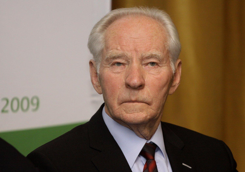 Mirė ilgametis Lietuvos elektrinės direktorius Pranas Noreika