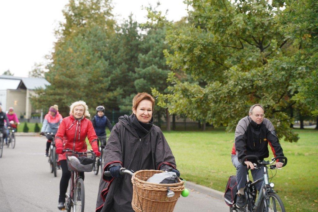 Panevėžiečiai, mindami dviračius, paminėjo Europos judumo savaitę