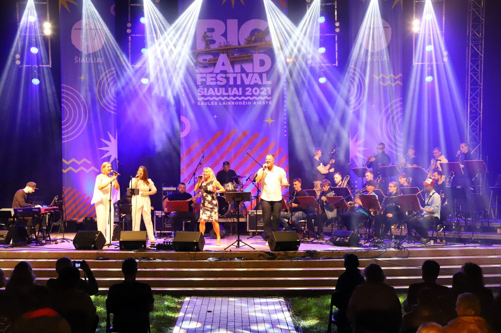 """""""Big Band Festival Šiauliai"""" kviečia vaizdo filmuku nusikelti į smagiausias šių metų festivalio akimirkas"""