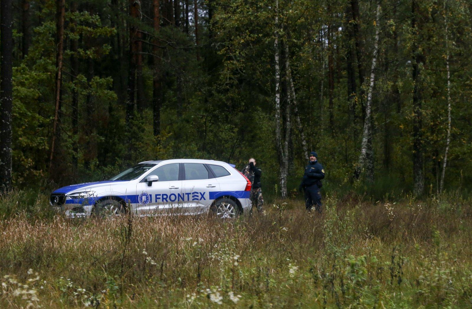 Prie Baltarusijos sienos pareigūnai apgręžė 50 neteisėtų migrantų, keturi įleisti