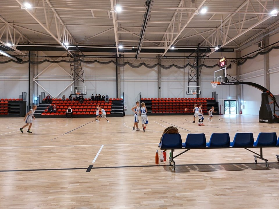 Jaunieji Anykščių krepšininkai laimėjo dvi draugiškas rungtynes Širvintose