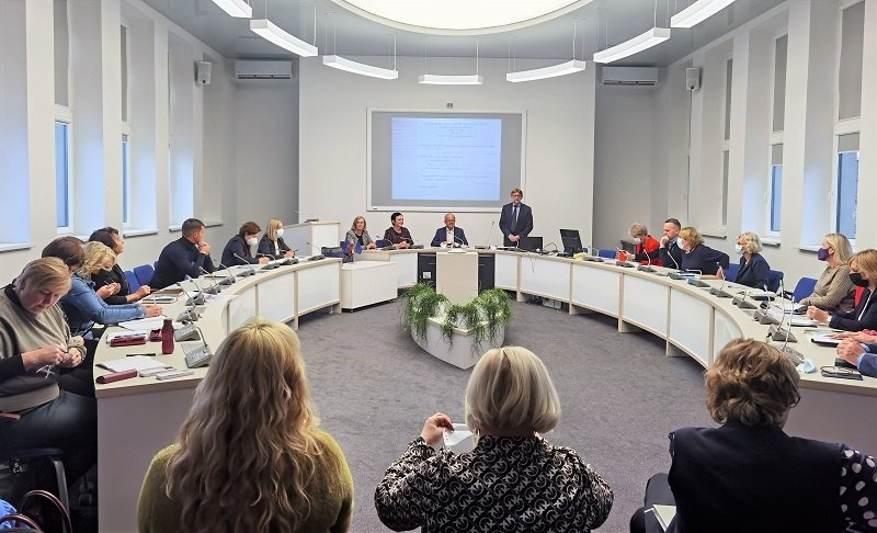 Prienų rajono švietimo įstaigų vadovų pasitarime aptartos švietimo aktualijos ir iššūkiai