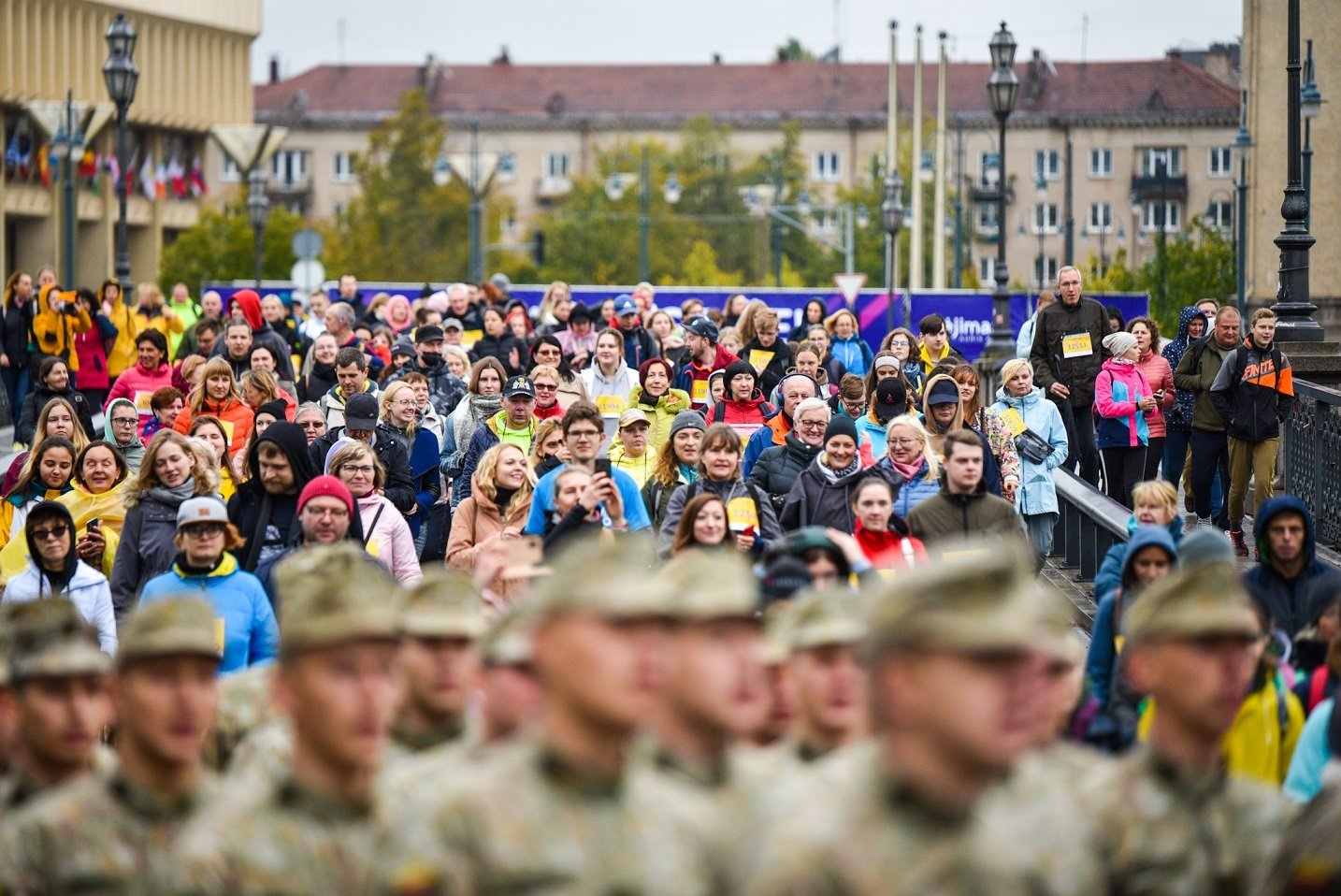 Ėjimo entuziastai ir profesionalai užliejo Vilniaus gatves