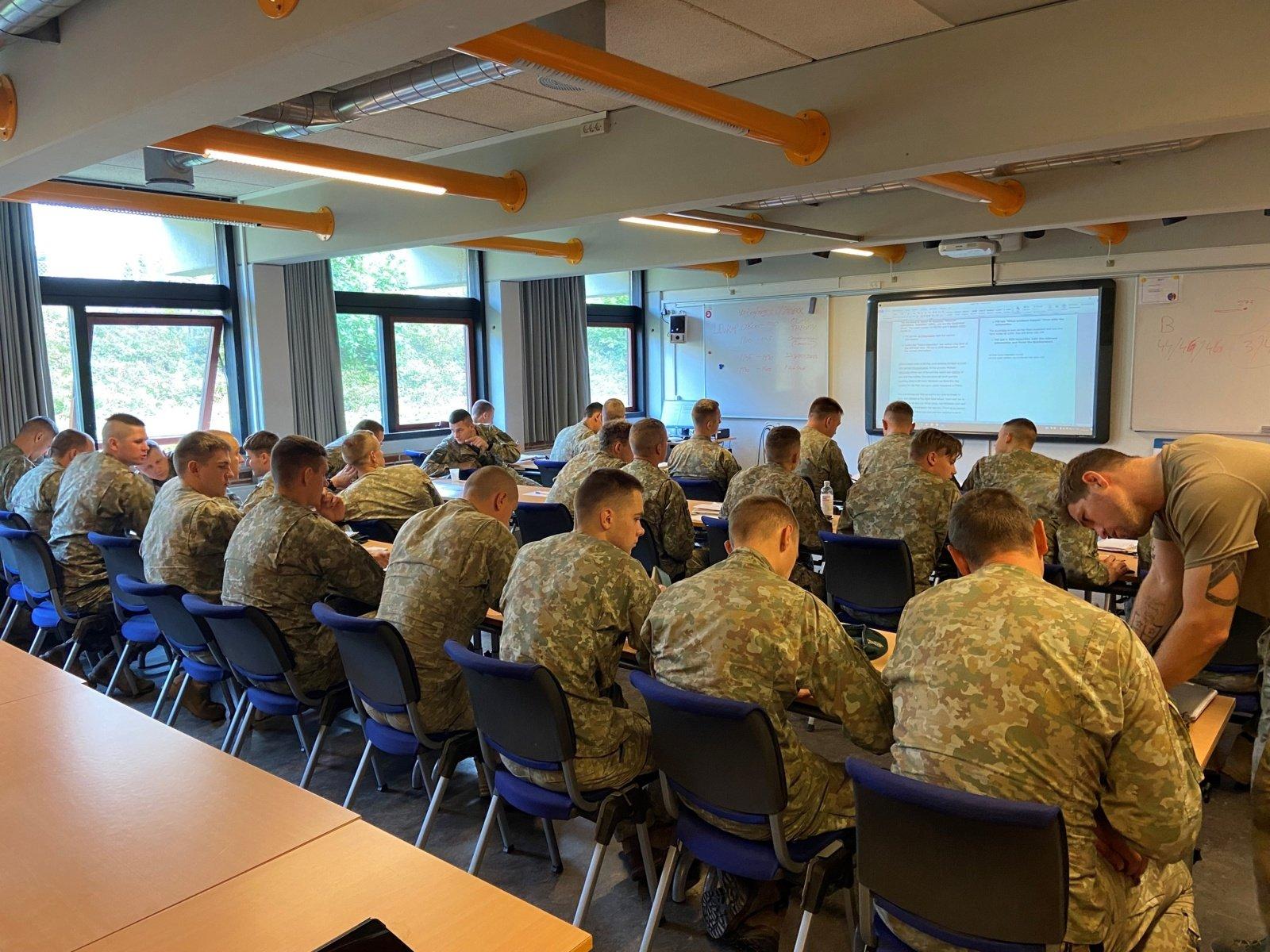 Danijoje vykstančiose pratybose Lietuvos kariai ruošiasi operacijai Irake