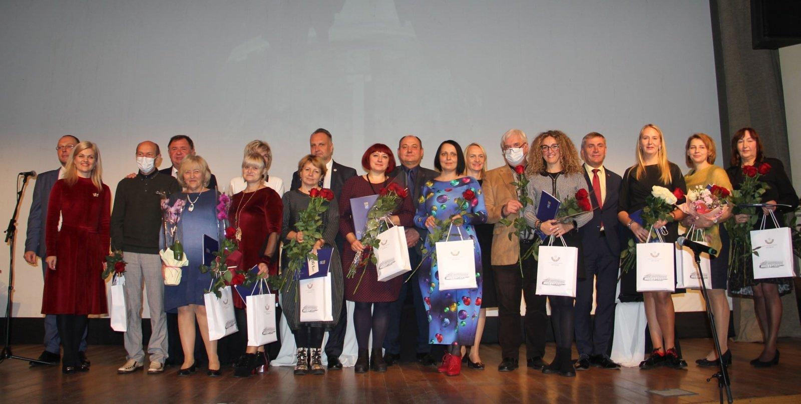 Tarptautinės mokytojų dienos proga apdovanoti Elektrėnų savivaldybės mokytojai