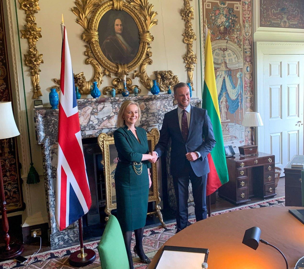 G. Landsbergis susitikime su JK užsienio reikalų sekretore E. Truss padėkojo JK už solidarumą dėl Kinijos