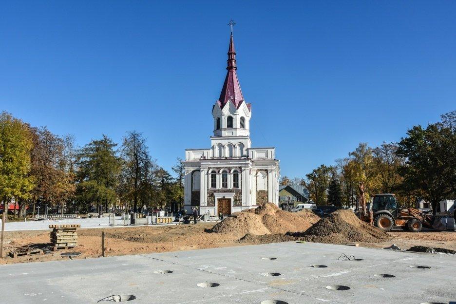 Nepriklausomybės aikštė Panevėžyje įgauna naują veidą
