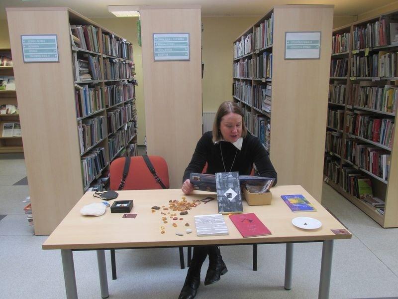 Bibliotekoje svečiavosi rašytoja, poetė Daiva Molytė-Lukauskienė