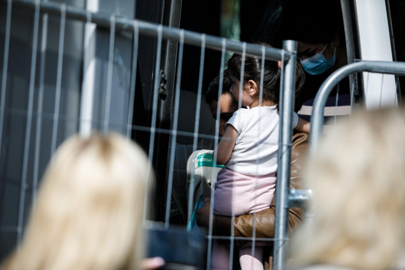 """Migrantų vaikams reikia leisti """"išeiti už tvoros"""", sako vaiko teisių kontrolierė"""