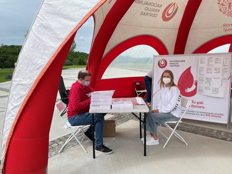 Nacionalinio kraujo centro komanda pradeda keliones į įmones: skiepys nuo COVID-19