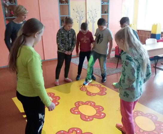 """""""Smalsučio"""" pradinukai mokosi žaisdami ant išmaniųjų grindų"""