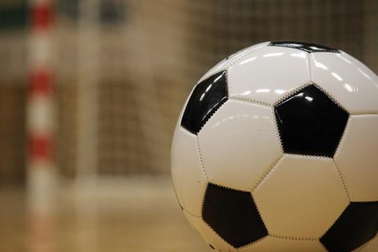 """""""Vyčio"""" salės futbolininkai po atkaklios kovos pralaimėjo stipriausiai Europos komandai"""