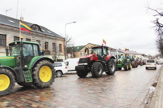 Traktorių paradas  - valstybės šimtmečio garbei