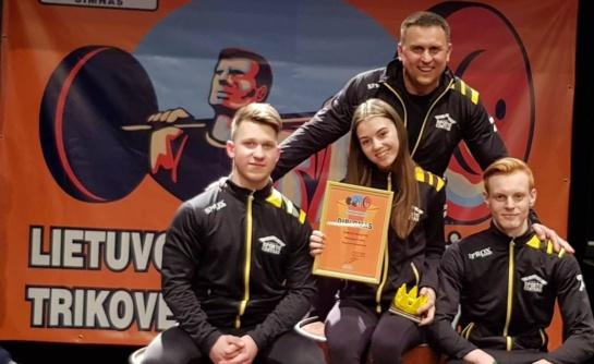 Ž. Valiulytė pagerino du šalies rekordus, jos komandos draugas parodė geležinę ištvermę