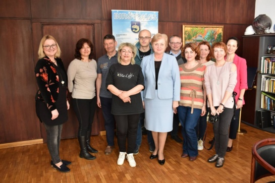 Latvijos žiniasklaidos atstovų vizitas: vis daugiau latvių poilsiui renkasi Birštoną