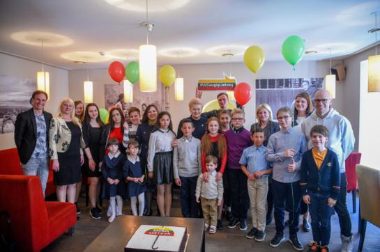 """""""Už saugią Lietuvą"""" gimtadieniui – Prezidentės pietūs su globos namų vaikai"""