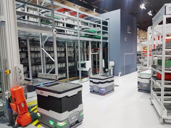Bendras ŠVK ir verslo atstovų projektas – universalus logistikos robotas