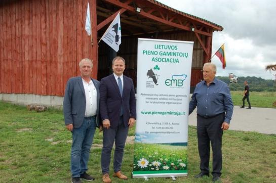 Pieno ūkiams rožių kelio nebus