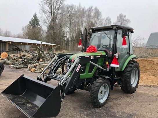 Kalėdų senelio dovana – traktorius