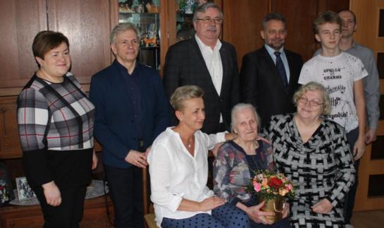 Švėkšnoje pasveikinta šimtametė Valerija Čeliauskaitė