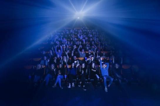 Panevėžyje duris atvėrė APOLLO kino teatras