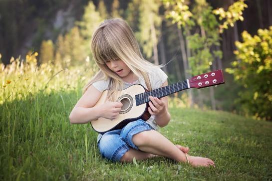 Kaip muzikos garsai veikia mūsų elgesį?