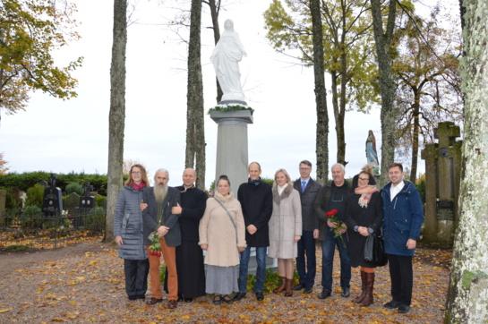 Atsinaujinusi Švč. Mergelė Marija dovanoja tikėjimo malones