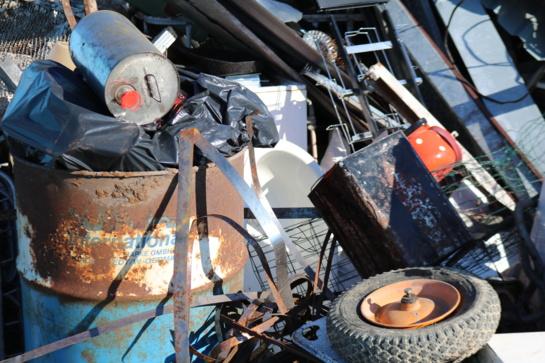 Primename apie birželio mėnesį Akmenės rajono savivaldybėje vykdomą didelių gabaritų atliekų surinkimą apvažiavimo būdu