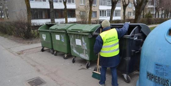 """""""Reindžerių"""" ekeperimentas pasiteisino: darbą aikštelėse pradeda atliekų priežiūros specialistai"""