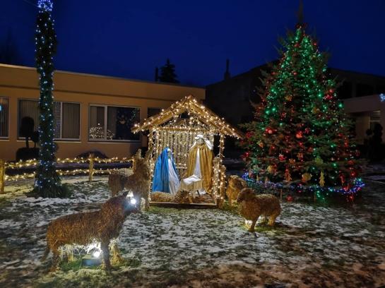 Kruopiuose – ne tik Kalėdų eglė, bet ir prakartėlė!