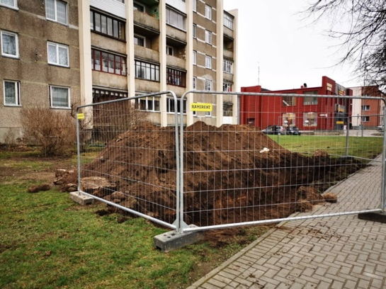 Radviliškio rajono gyventojams pradedamos rengti naujos pusiau požeminės konteinerių stovėjimo aikštelės